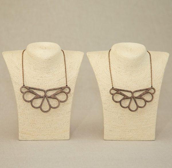 lesena-ogrlica-lotus1